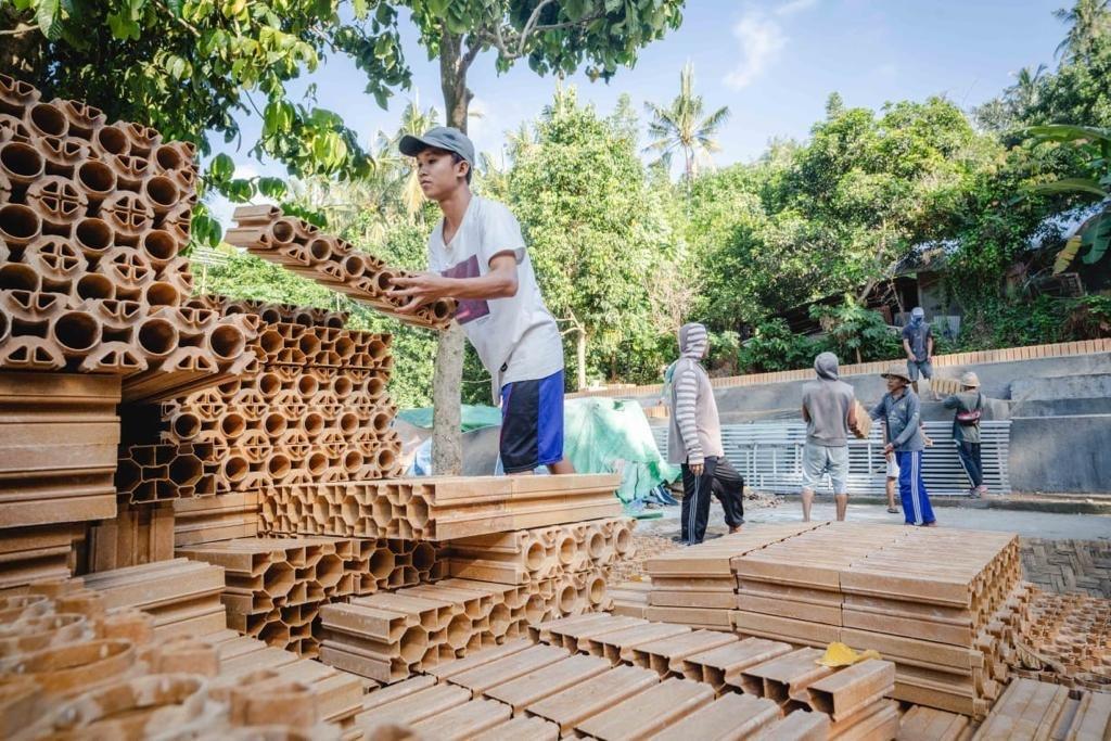 Lombok 2021 Eco Brick Stack